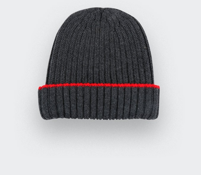 Dark grey beanie by Cinabre