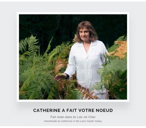 Noeud papillon fait main en France dans les ateliers Cinabre situés dans le Loir et Cher.
