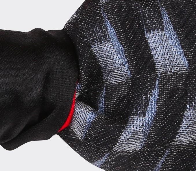 Noeud papillon Cinabre avec un tissu 3D Vintage en laine et soie.