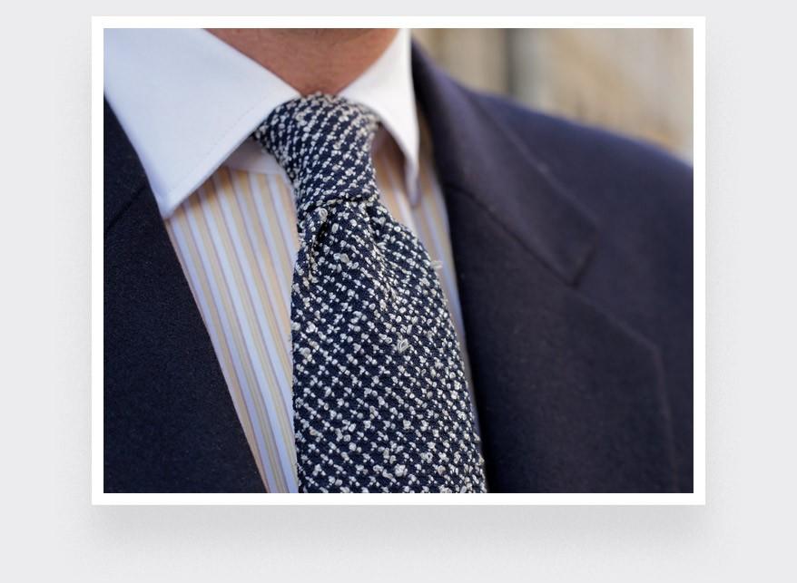 Cravate Séléné Relief Marine et Blanc - Cinabre Paris