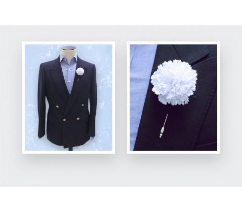 Boutonnière pour costume blanc Nid d'Abeille - Cinabre paris