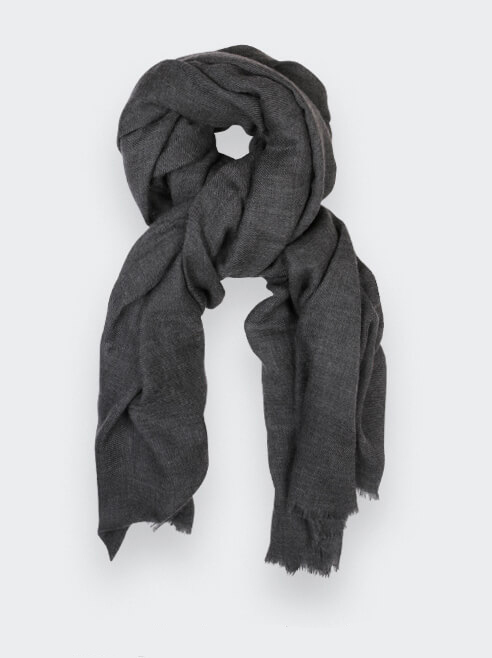 Sustainable grey cashmere scarf