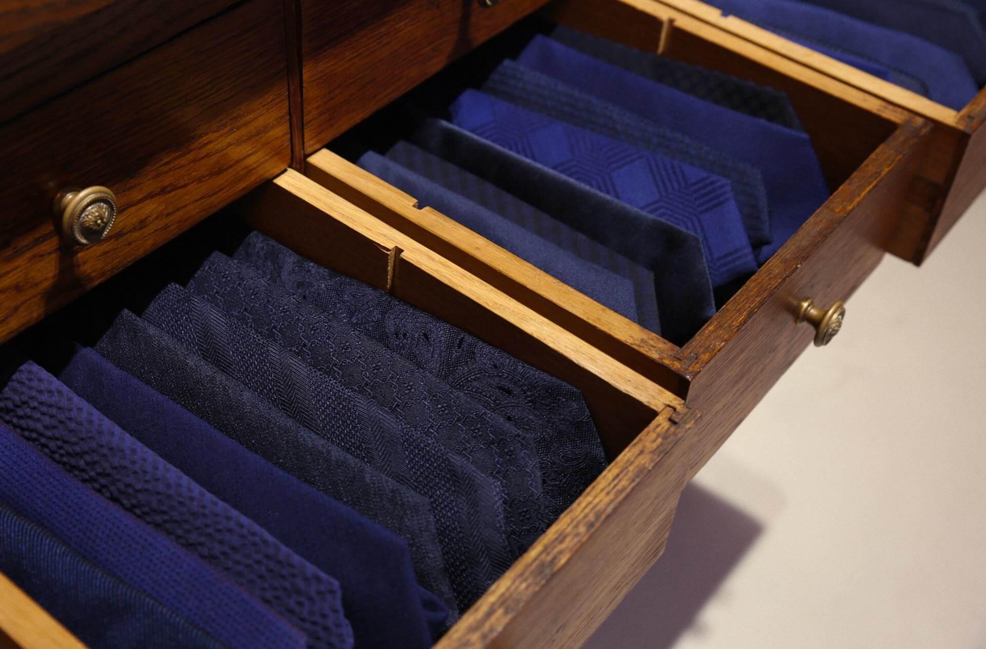 cravates bleu elysée Cinabre